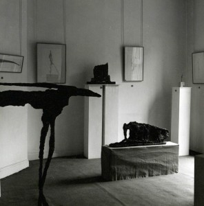 A view of the installation at the Dawson Gallery for Frömel's 1964 solo exhibition.